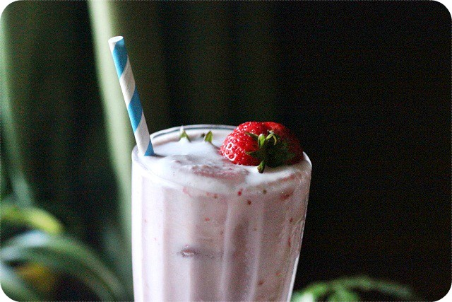 Strawberry Milk {mind-over-batter.com}