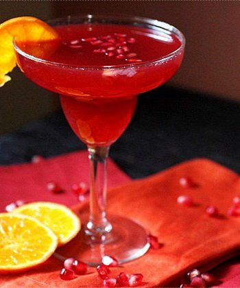 Pomegranate Tangerine Margarita {mind-over-batter.com}