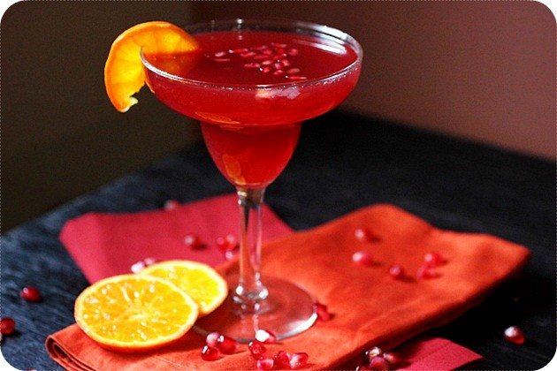 Pomegranate Tangerine Margarita {mind-over-batter.com}