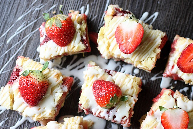 Strawberry Lemon Bars ~ mind-over-batter.com