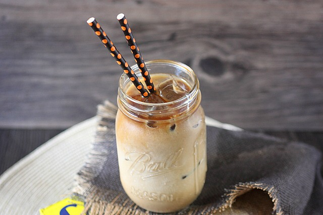 Cold Brew Iced Coffee Concentrate {mind-over-batter.com}